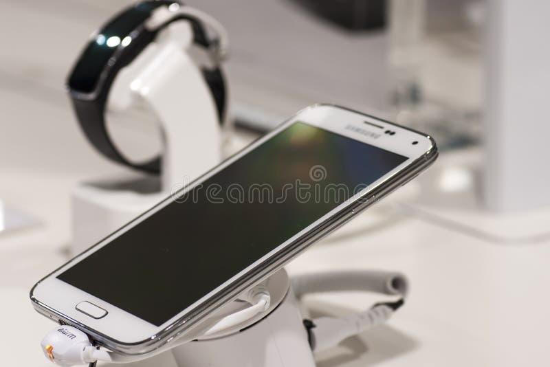SAMSUNG GALAXY S5, MOBILE WORLD CONGRESS 2014 royalty free stock photos