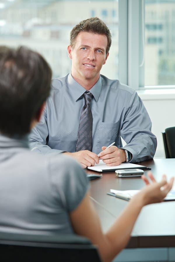 samtal för affärsfolk arkivfoton