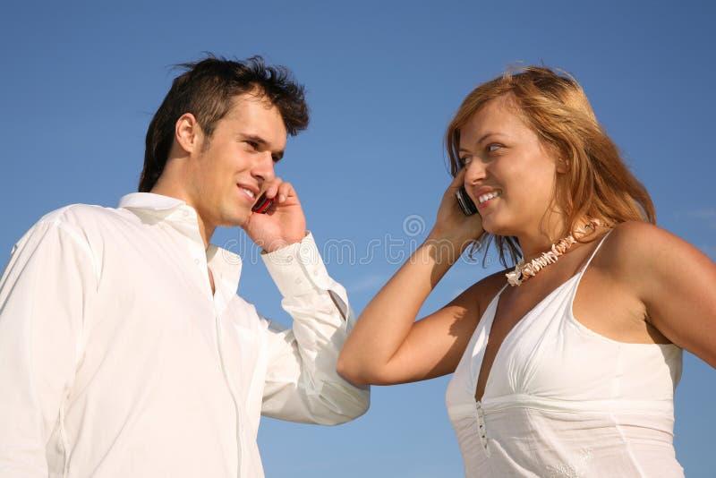 samtal för cellpartelefoner royaltyfria bilder