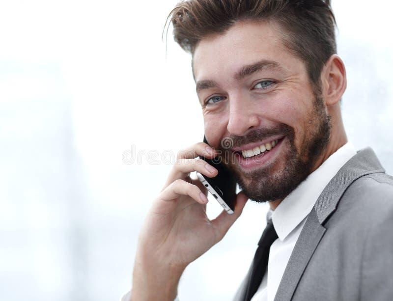 samtal för telefon för affärsman mobilt arkivbilder