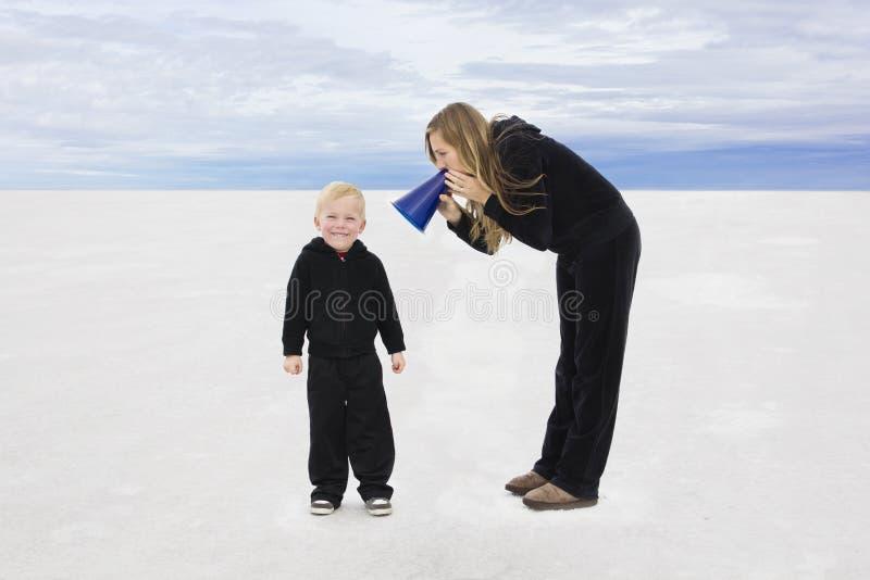 Samtal med våra barn royaltyfri bild