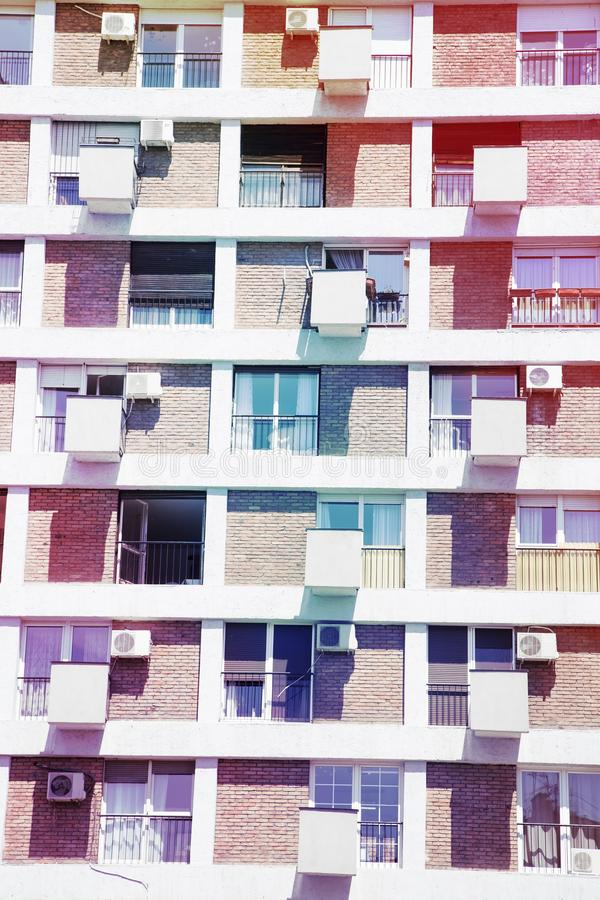samtida bostadsspain f?r arkitekturbarcelona byggnad stil royaltyfria foton