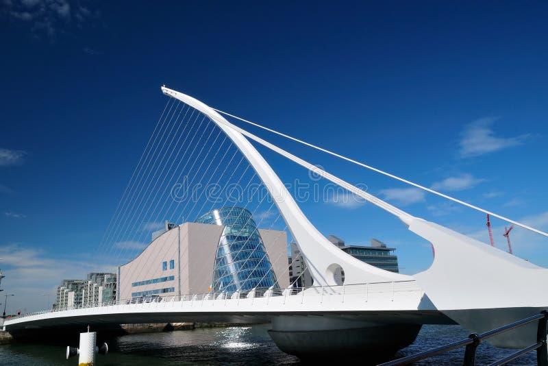 Samuel Beckett Bridge stock foto