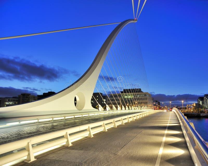 Samuel Beckett Bridge stock foto's