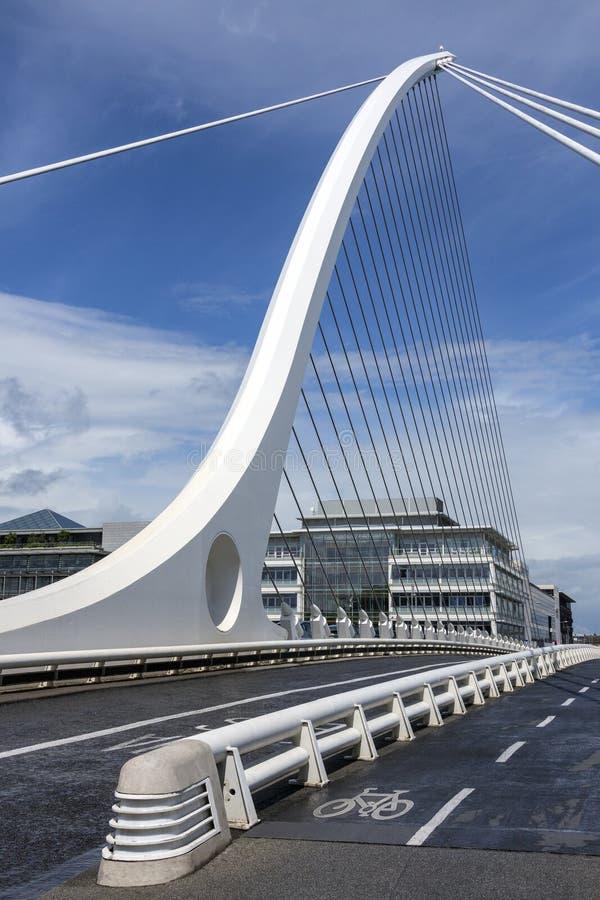 Samuel Beckett Bridge - Dublin - Irland arkivbilder