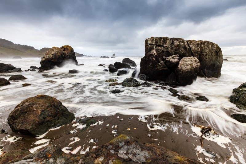 Samuel H Boardman State Park, Oregon, West Coast, Förenta staterna, Travel USA, utomhus, äventyr, landskap, regnskog arkivfoton