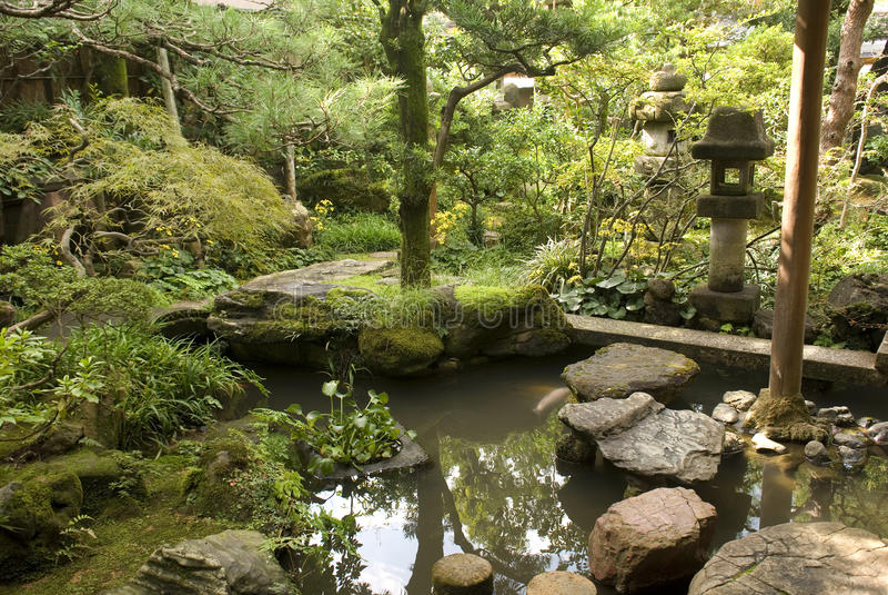 Samurajhusträdgård, Kanazawa, Japan arkivbild