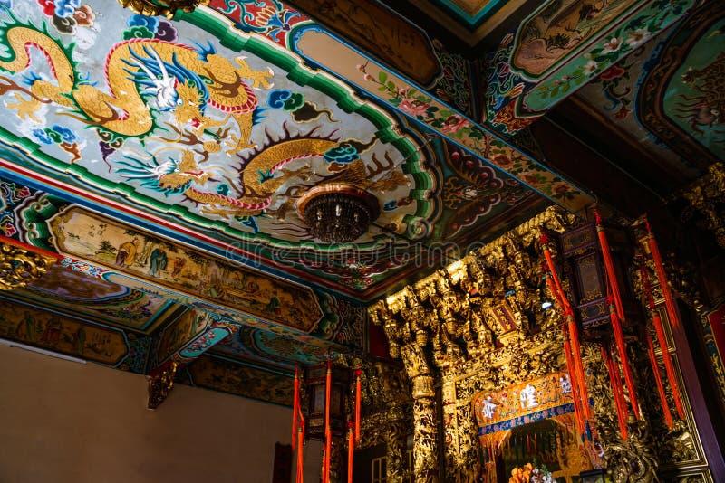 Samut Prakan Tajlandia, Luty, -, 3, 2019: Pięknego tradintional sztuki chiński sufit przy świątyni Xian Dai Lo Tian gongiem, nowy obraz stock