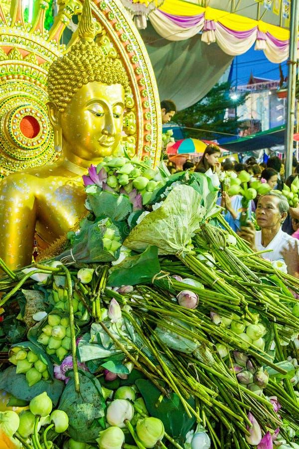 SAMUT PRAKAN, THAÏLANDE 18 OCTOBRE 2013 : Lotus Giving Festival images stock
