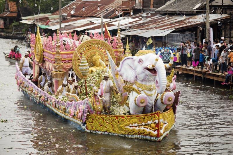 SAMUT PRAKARN, THAILAND-OCTOBER 7日2014年:给节日的莲花 图库摄影