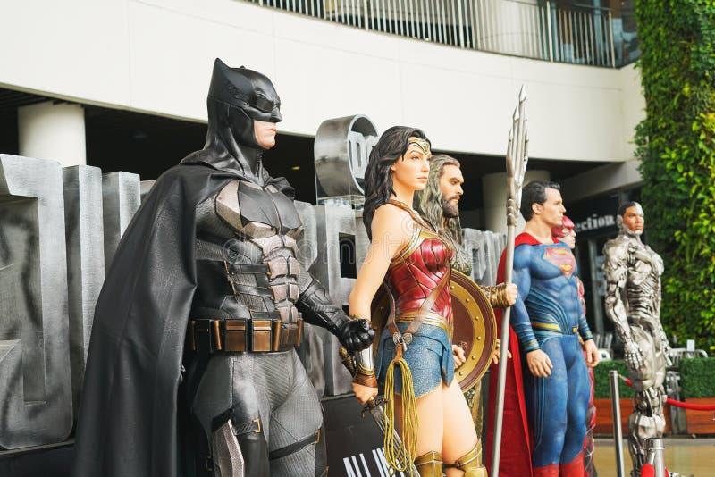 SAMUT PRAKARN, TAILANDIA - 21 novembre 2017 - modello di Batman ed altri eroi dalla giustizia League di film fotografie stock