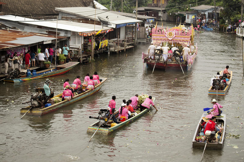SAMUT PRAKARN, TAILANDIA 7 OTTOBRE 2014: Lotus Giving Festival immagini stock