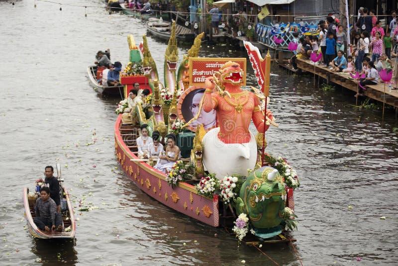 SAMUT PRAKARN, TAILANDIA 7 OTTOBRE 2014: Lotus Giving Festival immagine stock
