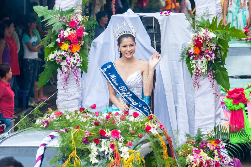 SAMUTSAKHON, THAILAND: AM 31. MAI: Fräulein Tiffany (shemale Wettbewerb) stockbild