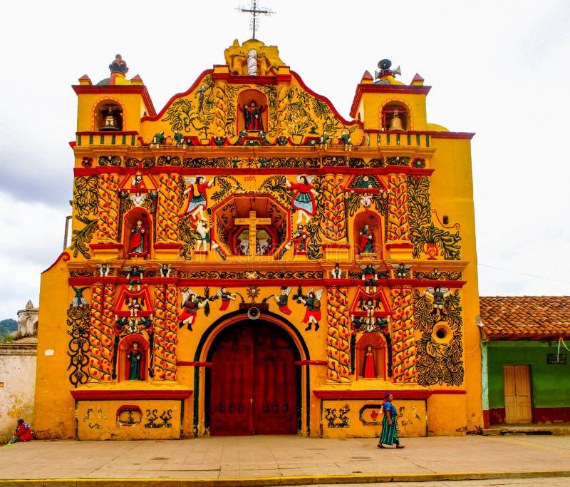 San Andres Xecul - Guatemala - - San Andres Xecul Church imagem de stock