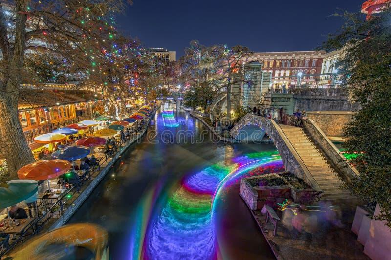 San Antonio River Walk com luzes de Natal em Texas EUA fotografia de stock royalty free