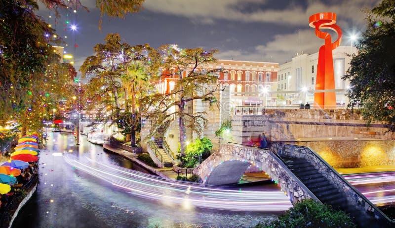 San Antonio Riverwalk bij nacht royalty-vrije stock afbeelding
