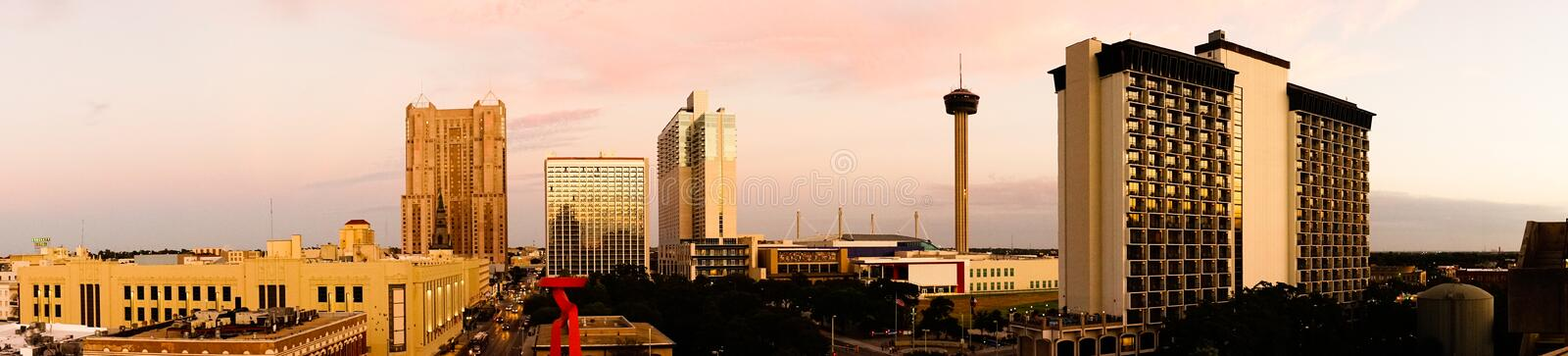 San Antonio Skyline Wide Panoramic South Cantral Texas stock foto's