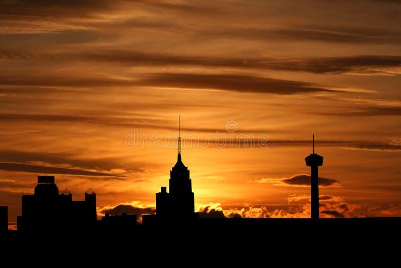 San Antonio am Sonnenuntergang lizenzfreie abbildung