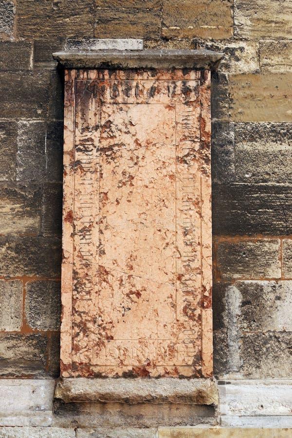 San anziano Stephens Cathedral Vienna del dettaglio della parete di pietra fotografie stock