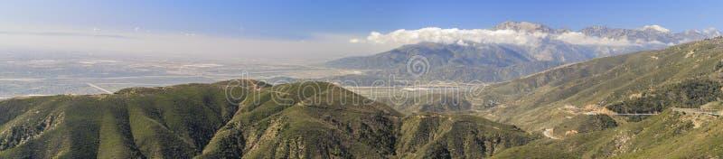 San Bernardino zur Sonnenuntergangzeit stockfotos