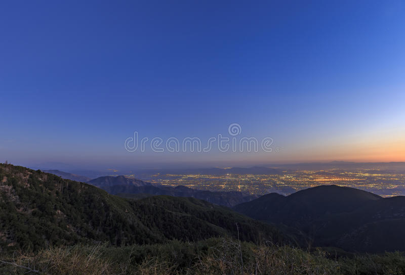 San Bernardino zur Sonnenuntergangzeit stockbild