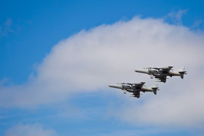 SAN CARLOS, CA - 19 DE JUNIO: El corredor de cross de AV-8B salta el jet foto de archivo libre de regalías