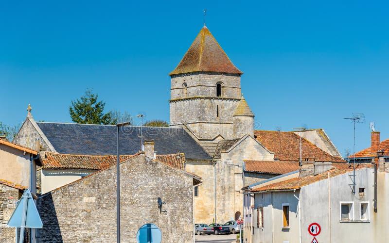 San Chartier della chiesa di Javarzay nel villaggio del cuoco unico-Boutonne, Francia immagine stock