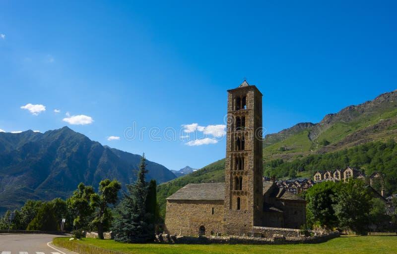 San Clemente de Tahull é uma igreja românico e foi declarado um local do patrimônio mundial pelo Unesco fotos de stock