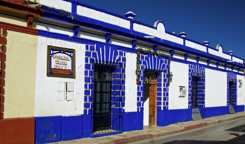 San Cristobal de Las Casas Calle colonial con las casas coloridas San Cristobal de Las Casas fotografía de archivo libre de regalías