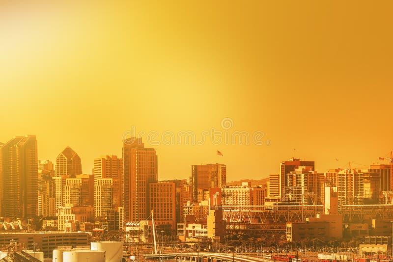 San Diego Cityscape på solnedgången fotografering för bildbyråer