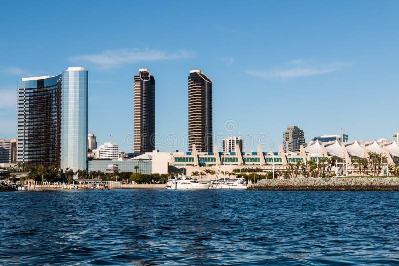 San Diego Convention Center en Omringende Hotels op Waterkant stock afbeelding