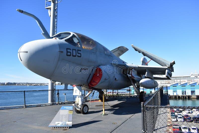 San Diego, Kalifornia Dec 04,2016 - Elektroniczny działania wojenne Kosmiczny w USS Midway muzeum - usa - obrazy stock