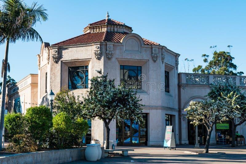 SAN DIEGO KALIFORNIA, LUTY, - 17, 2018: Floty nauki centrum z więcej niż 100 interaktywnymi eksponatami i IMAX ekranem, o obrazy royalty free