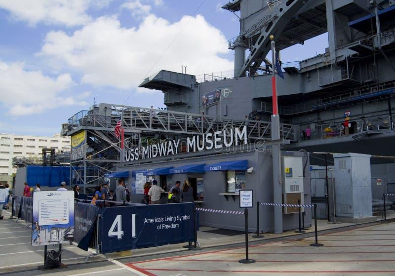 SAN DIEGO, la Californie, Etats-Unis - 13 mars 2016 : USS intermédiaire dans le port de San Diego, Etats-Unis photo libre de droits
