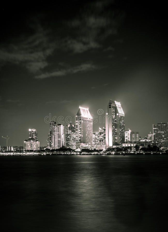 Download San Diego Night photo stock. Image du cityscape, pendant - 45359884