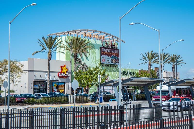 San Diego Outlets Shopping Center - CALIFORNIË, de V.S. - 18 MAART, 2019 royalty-vrije stock foto's