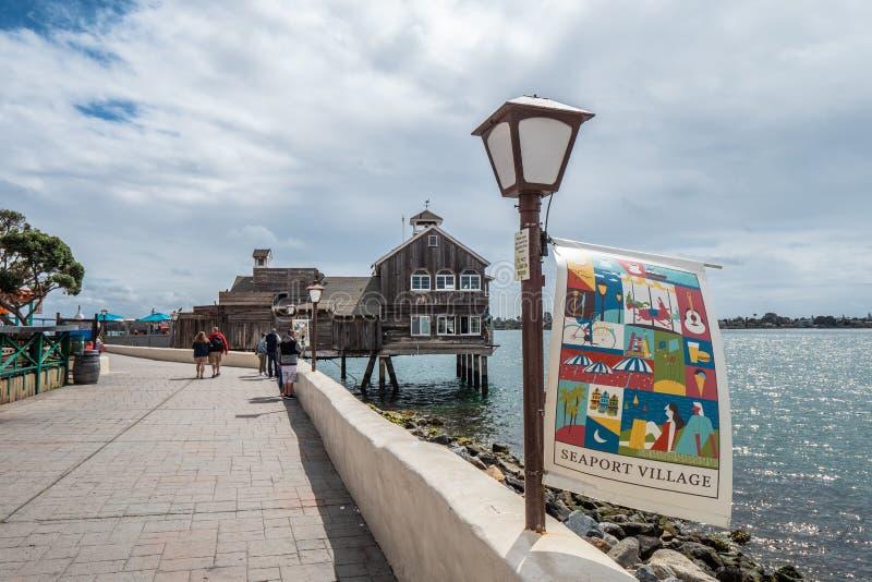 San Diego Seaport Village no oceanfront - CALIF?RNIA, EUA - 18 DE MAR?O DE 2019 foto de stock royalty free