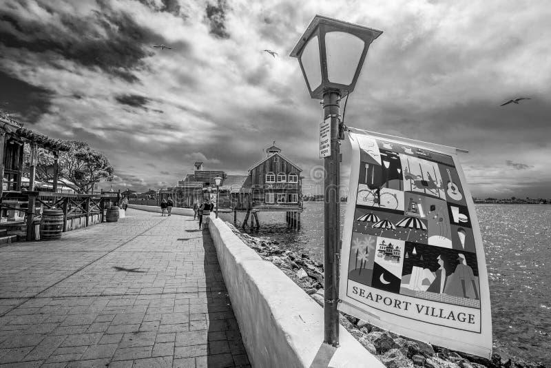 San Diego Seaport Village p? oceanfronten - KALIFORNIEN, USA - MARS 18, 2019 royaltyfri fotografi
