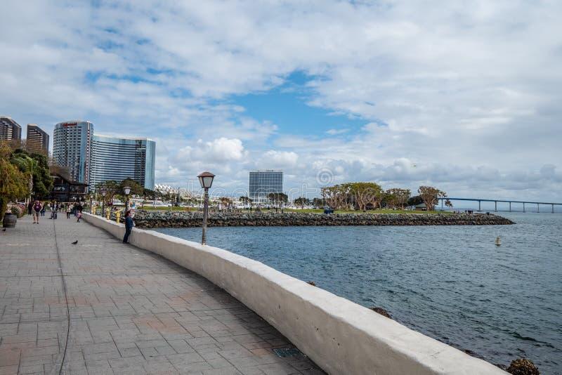 San Diego Seaport Village p? oceanfronten - KALIFORNIEN, USA - MARS 18, 2019 royaltyfria bilder