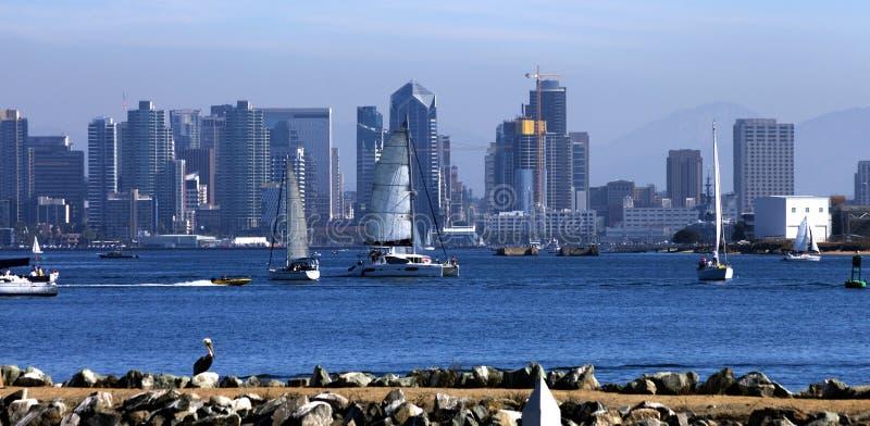 San Diego Skyline avec des voiliers, Amérique images libres de droits