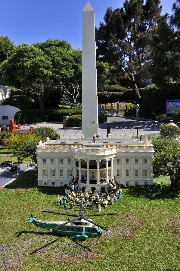 SAN DIEGO, VS - 23 september 2019: Reproductie van het Witte Huis in Legoland stock foto