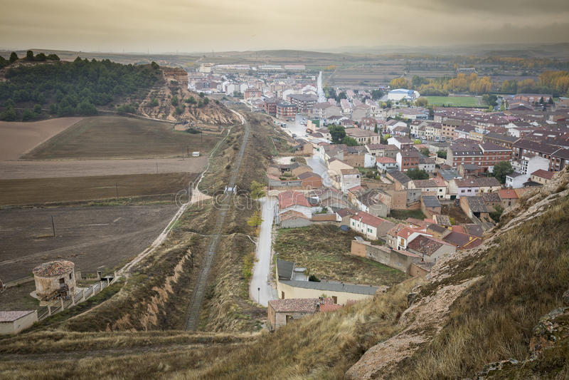 San Esteban de Gormaz stad, landskap av Soria, Spanien fotografering för bildbyråer