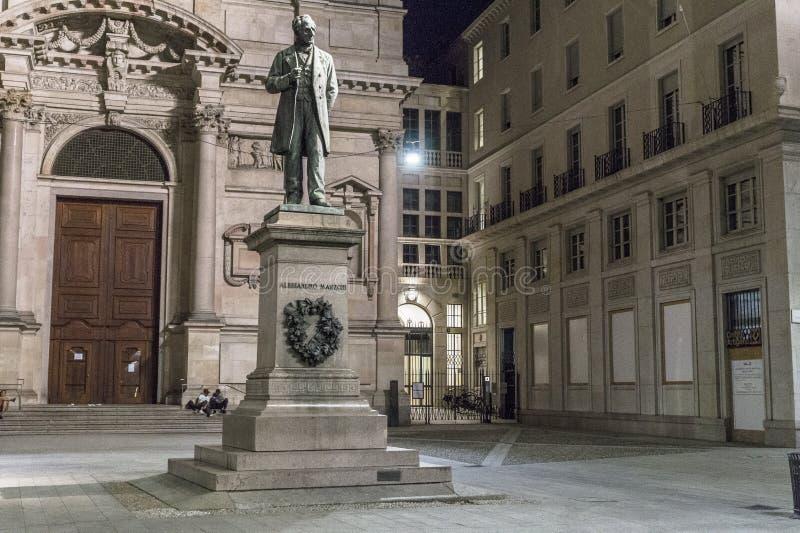 San Fedele Square em Milão fotos de stock royalty free