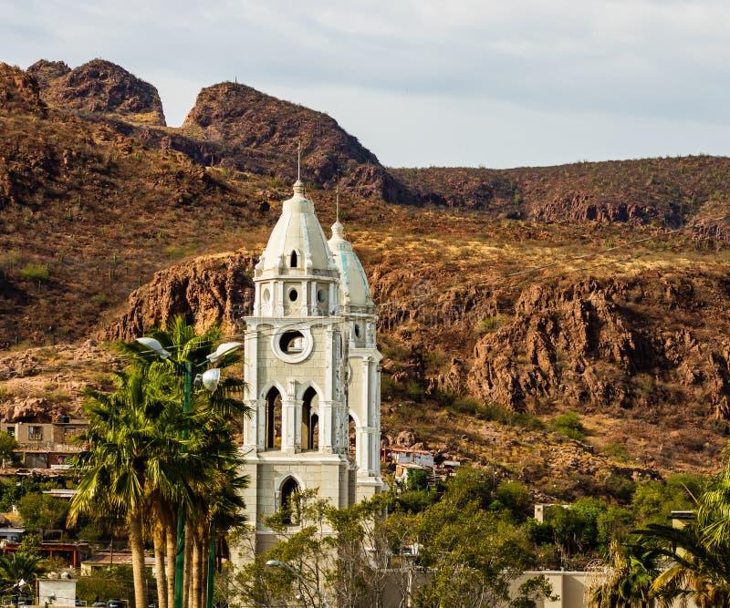 San Fernando Cathedral i Mexico Domkyrkan är det äldst i den Guaymas staden royaltyfri fotografi
