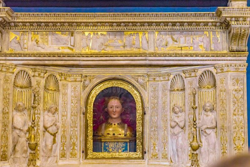 San Fina Altar Relics Church San Gimignano Toscana Italia fotografia stock