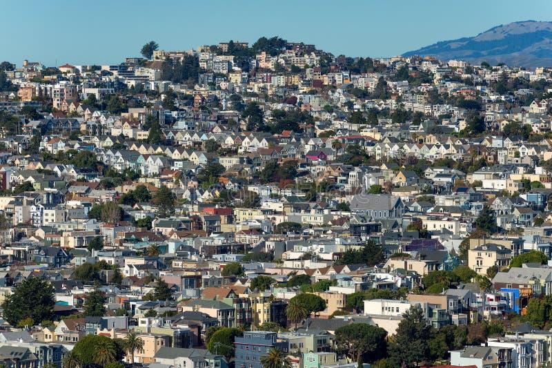 San Francisco-Abhanghäuser -- Dolores Heights, Cole Valley u. Corona Heights stockfotografie
