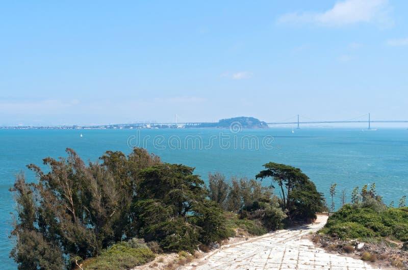 San Francisco Bay и мост стоковые изображения