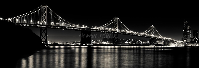 San Francisco Bay Bridge nachts Schwarzweiss stockfotos