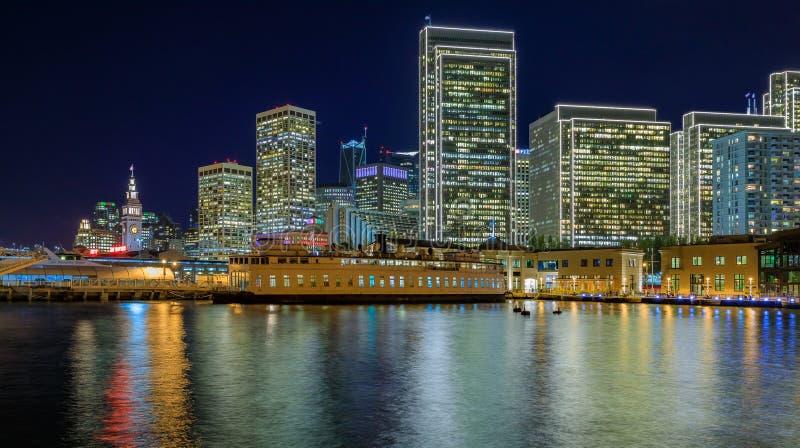 San Francisco Belle en van de binnenstad in Chrismas van houten Pijler 7 royalty-vrije stock afbeelding